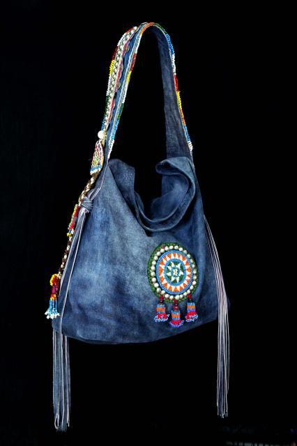 http://www.dassios.com/images/stories/collections/handbags/dassios_handbags_19..jpg