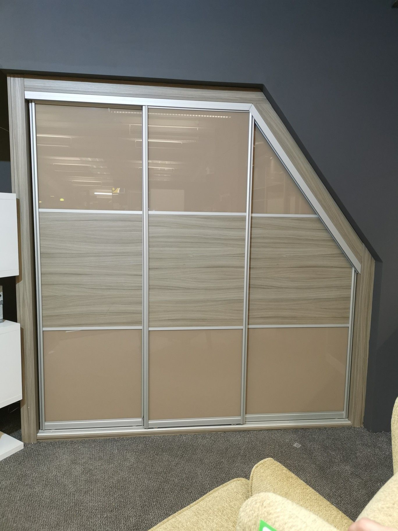 Made to measure sliding wardrobes to maximize your space