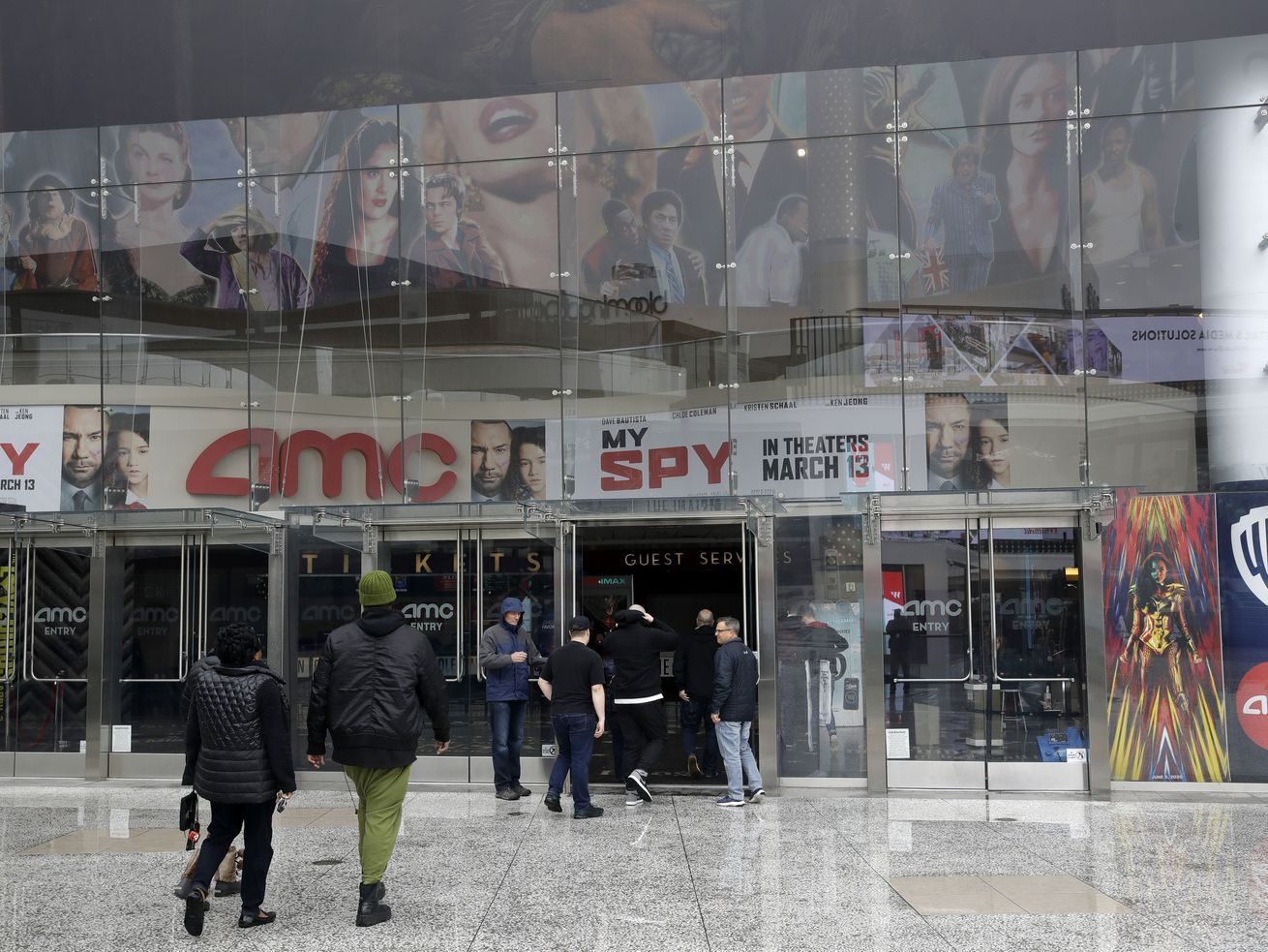 Will AMC Theatres go bankrupt? Here's why one analyst says