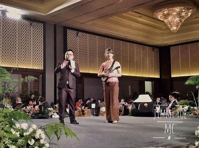 Ini keren! An American do research for Music Keroncong in Indonesia! From Grandma Ninins (PVJ) 83th Birthday Party and Imlek Celebration... 17.01.18 venue and catering: @grandmercurebandung  Decor: @pvjofficial  Photo & Video: @indigosixphotoworks @angelia_lukman  @prisli.sunardi @samsantoso27 @awbebop @sicumintea  Cake: @kopakaofficial  Music: @marcella_music feat. @rumputband @germandmitriev @titiek.puspa  WO: @vkorganizer @vkstar11  My suit: @austeenformalwear by @andy_austeen  #Wedding #chinesewedding #weddingchinese #weddinginternational #internationalwedding #mandarin #asia #asian #asianwedding #weddingmc #mc #masterofceremony #weddingplanner #weddingorganizer #mcmandarin #mcbandung #mcjakarta #mcbali #mcmedan #mcpalembang #mcmanado #mclampung #mcsurabaya #vendor #weddingvendor #vendorwedding #vendorweddingbandung #forentrie #jimmyyoemc