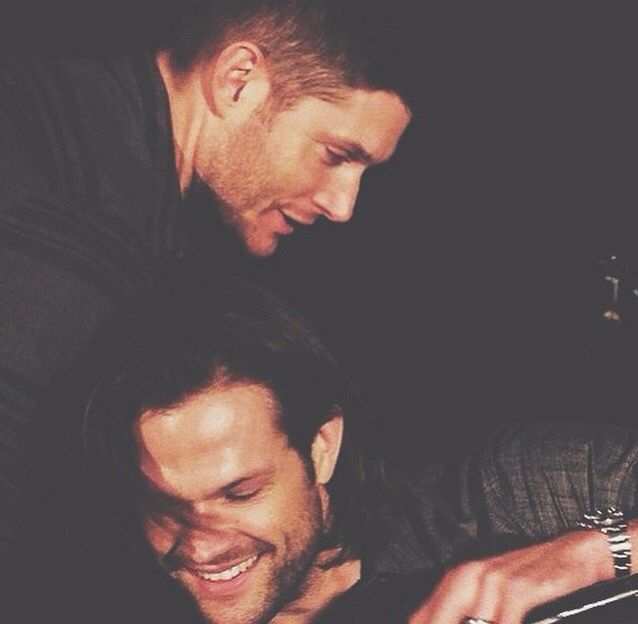 Jensen and Jared being adorable. As usual. So awesome!