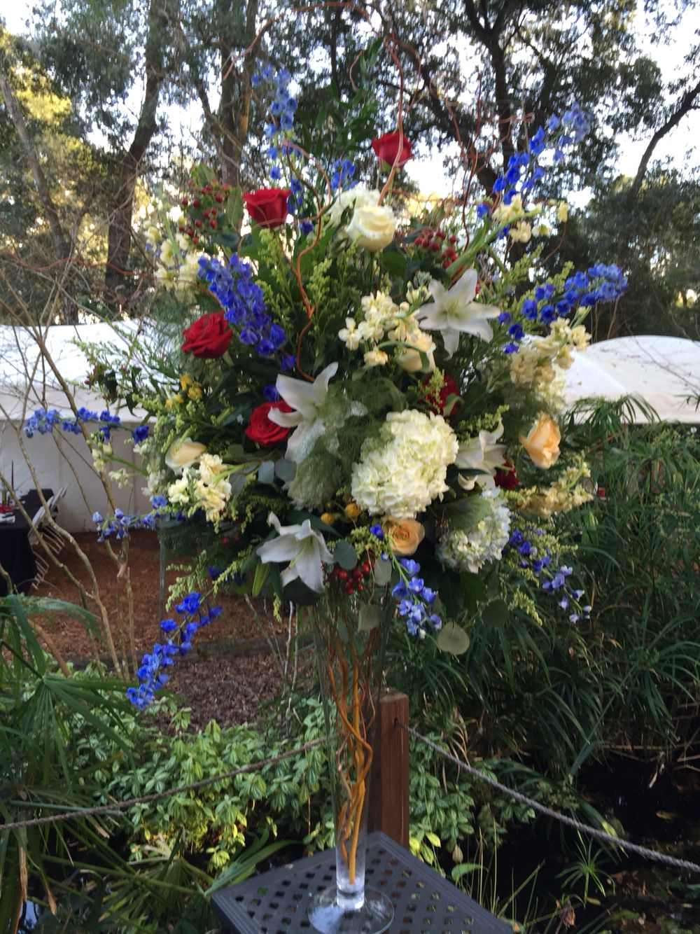 Large wedding floral arrangement to compliment the Munro
