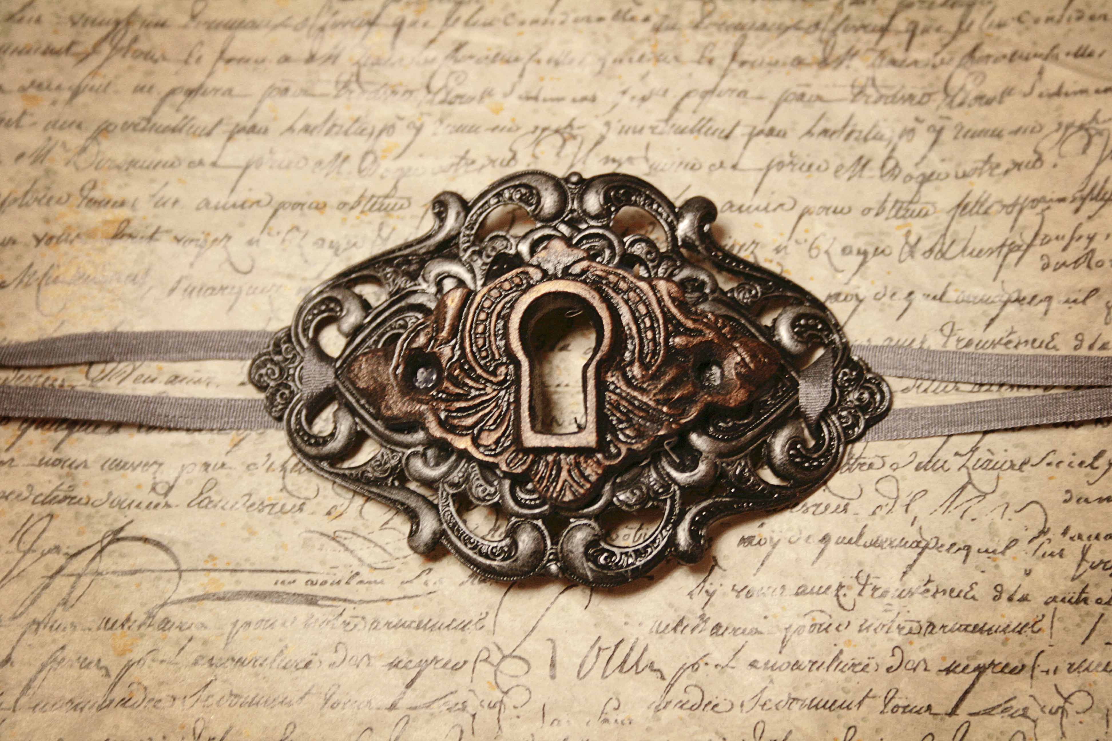 Keyhole Choker Antique Bronze and Silver   Transfer ...
