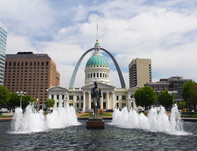 Make Friends Eat Food Explore St Louis Meet The City