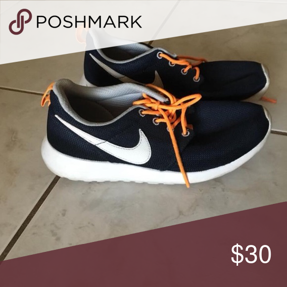 3036b5be26ff Nike Roshes Nike Roshes Women size 8 Kid size 6.5 Nike Shoes