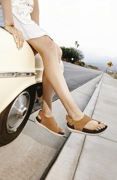 5a744abb349004 FitFlop  Loosh  Nubuck Toe Loop Sandal (Women)