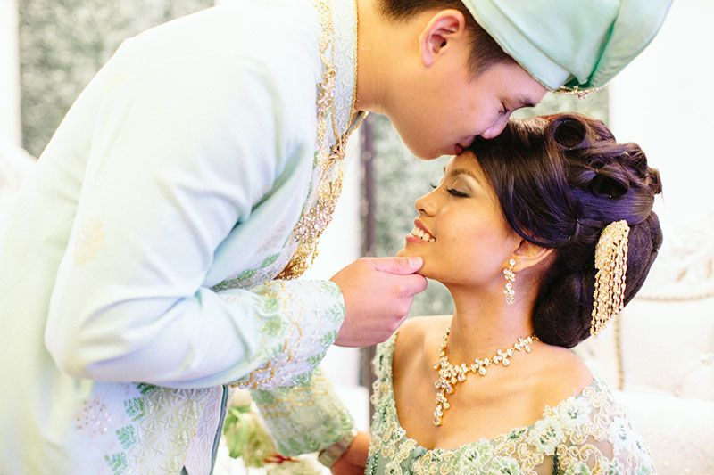 Shikin And Yan Ho S Coral And Green Intercultural Wedding Intercultural Wedding Malay Wedding Wedding Cards Images