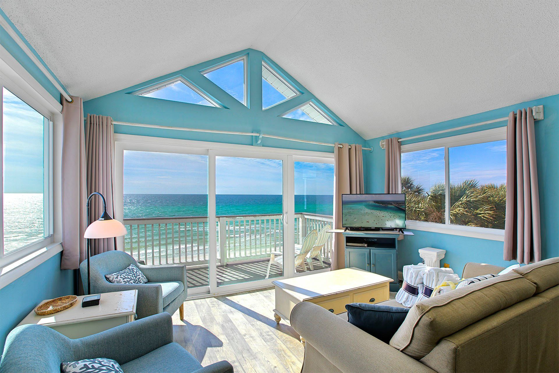 Ramsgate 8 Is A Rare Affordable Beachfront Condo Rental Located On