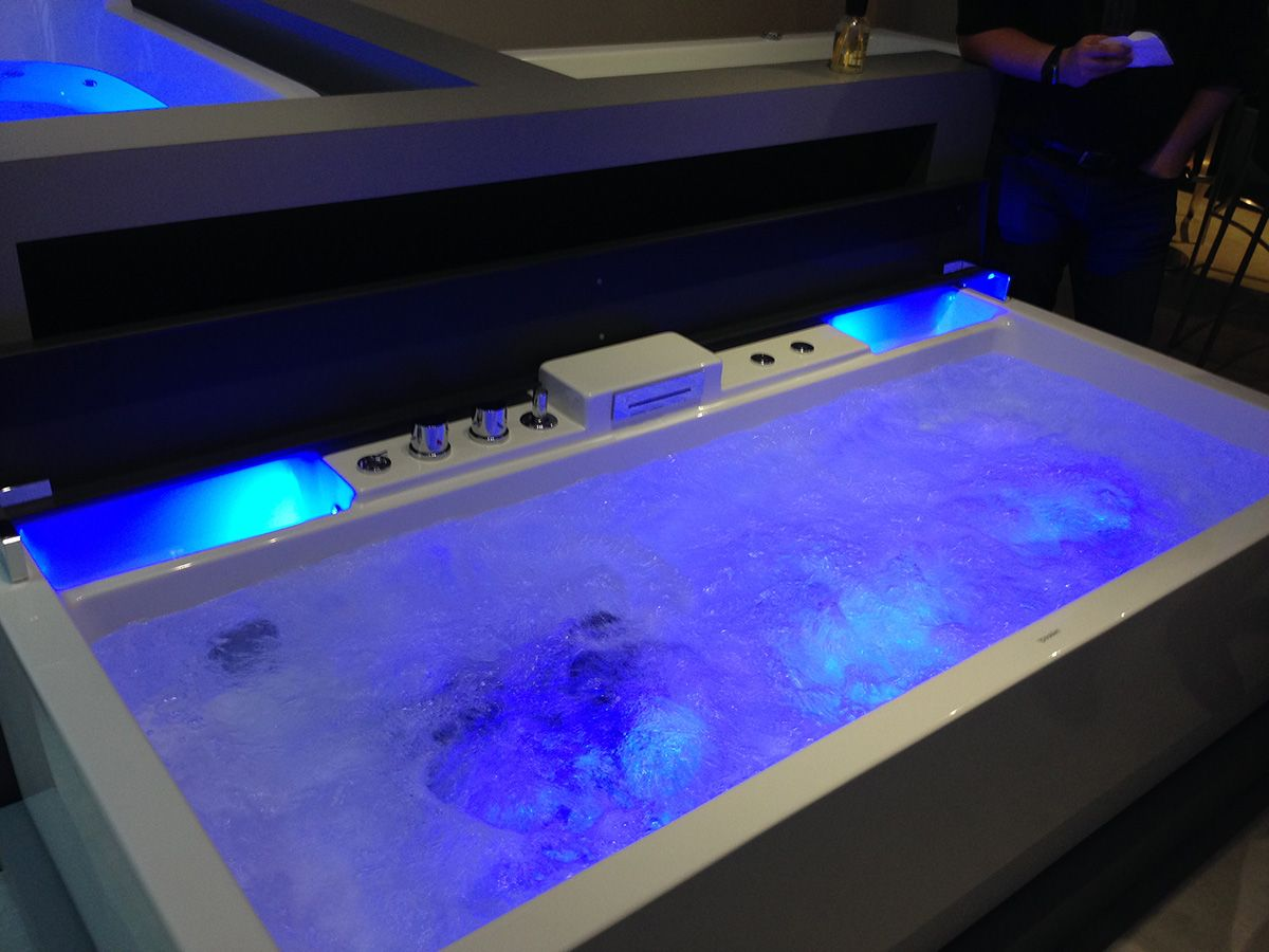 Duravit Bathtub with Jacuzzi | Official Opening of Duravit Training ...