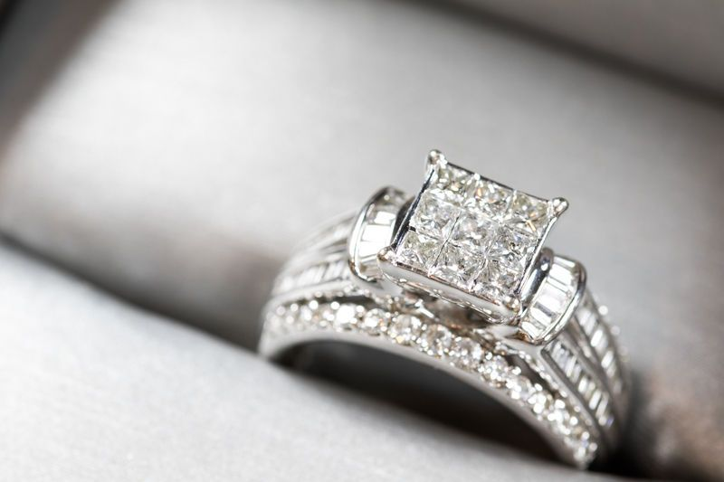 how to wear a claddagh ring if your married