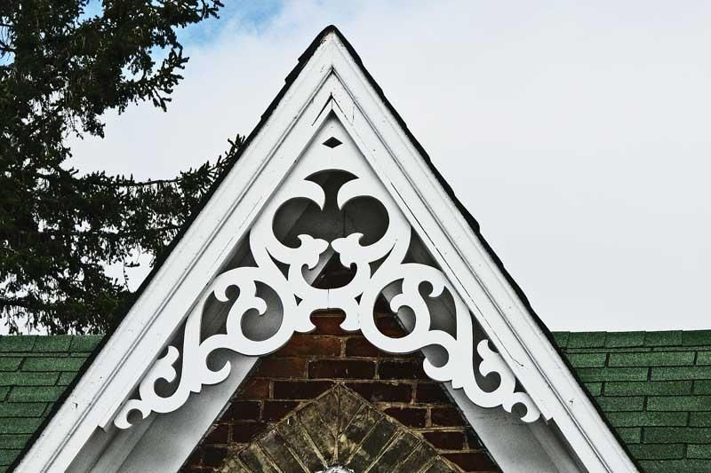 Wooden decorative roof gable dream home pinterest for Architectural gingerbread trim