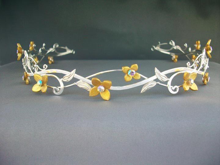 whimsy-cat:  Crowns and circlets byElnaraNiall.