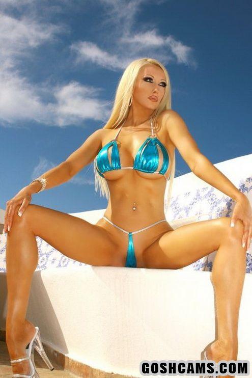 Perfct sexy mature blond