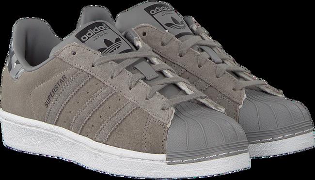 legergroene adidas schoenen