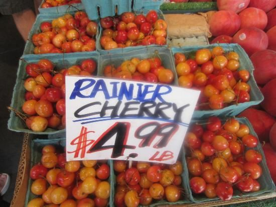 Pike Place Market: Rainier cherry season