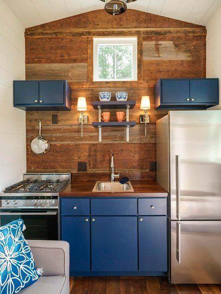 Esta mini casa rompe la primera regla de la decoraci n for Decoracion de mini apartamentos