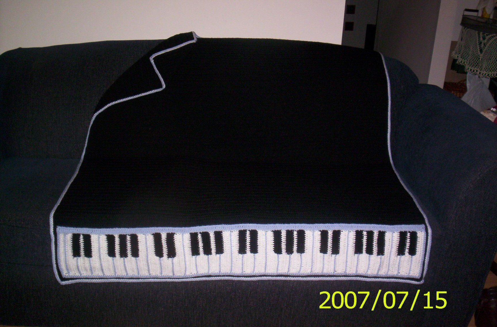 Crochet pattern Piano afghan. SO CLASSIC ! I sell this on Etsy *s* Looks SO cool. I have a project under way to perfect the piano keys (my own pattern) this one I did from a very old pattern.