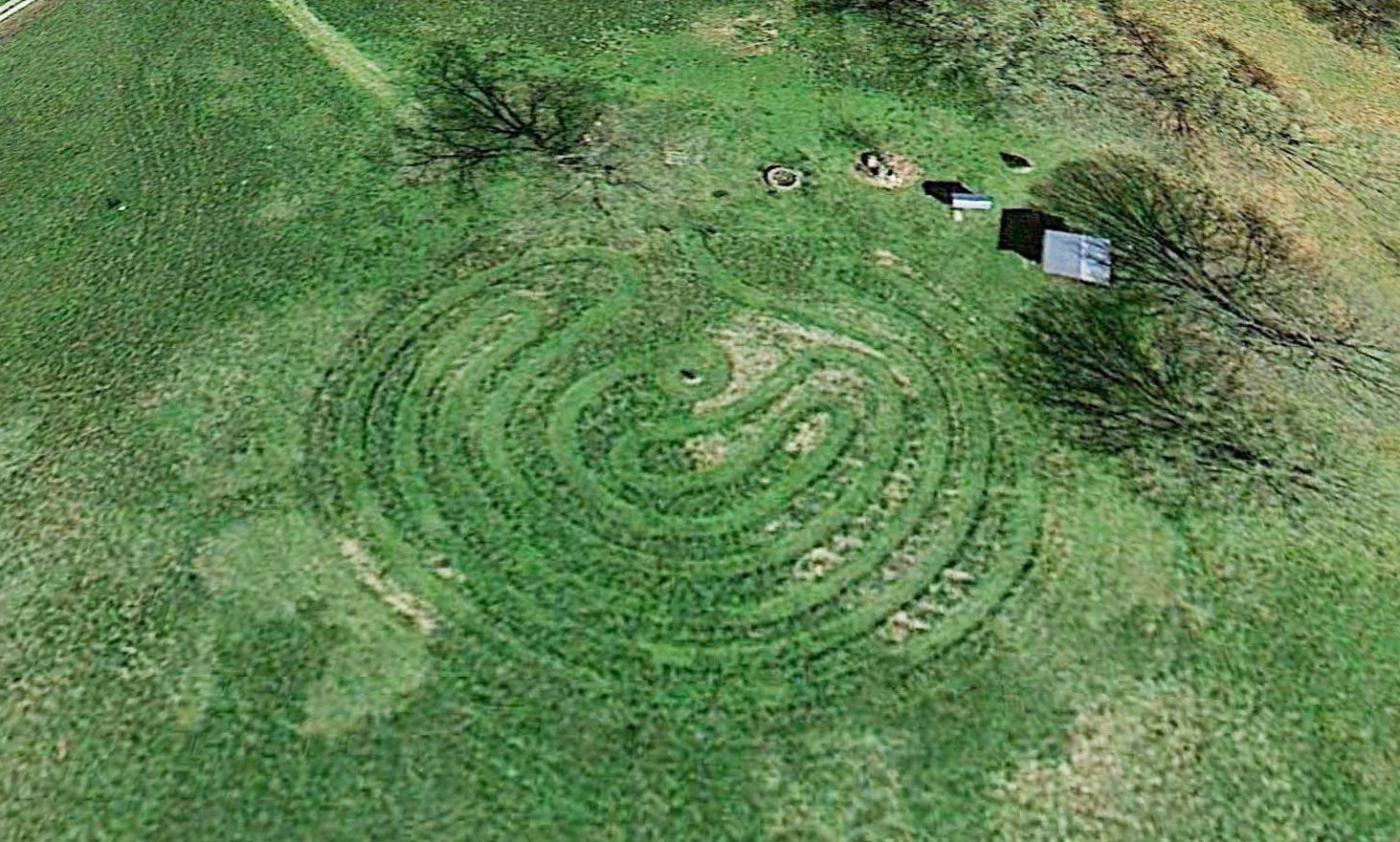 rita and leo ward's turf# labyrinth, near #campbogglewomp, Gartengerate ideen