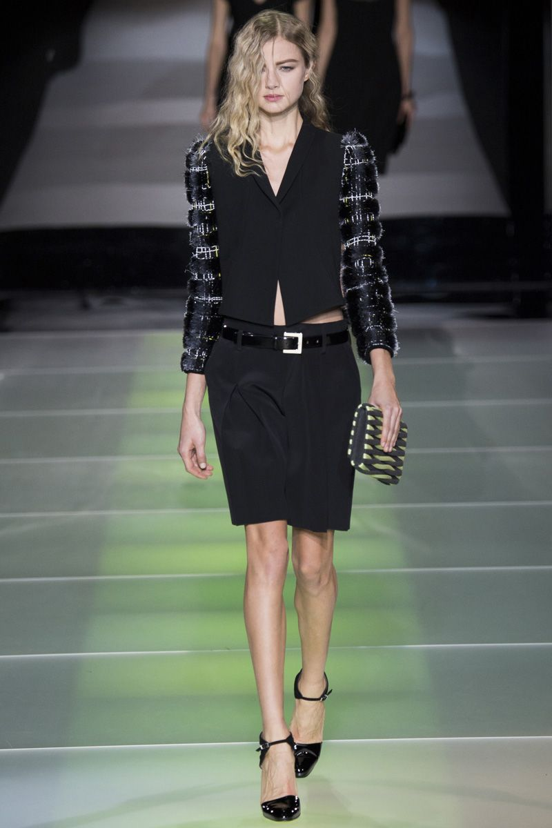 Giorgio Armani Fall 2014 RTW - Review - Fashion Week - Runway, Fashion Shows and Collections - Vogue