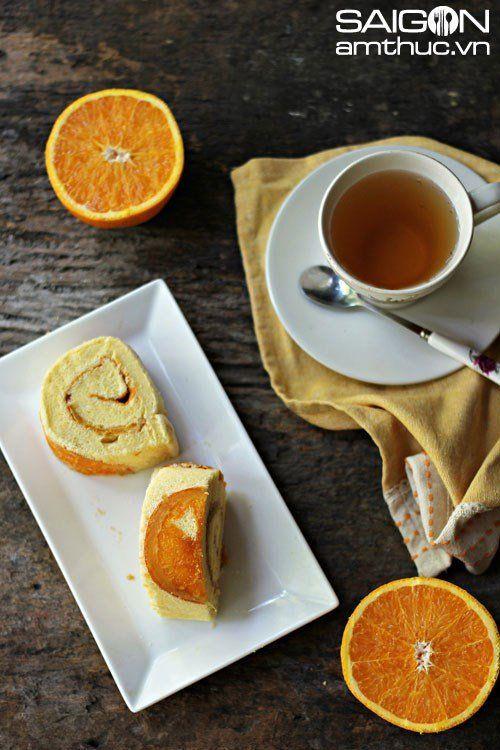 Làm bánh bông lan cuộn cam mềm xốp thơm ngon - http://congthucmonngon.com/128475/lam-banh-bong-lan-cuon-cam-mem-xop-thom-ngon.html