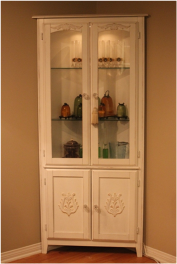 High Quality Lighted Corner Cabinet. White Distressed Or Shabby Chic Finish. Two  Adjustable Glass
