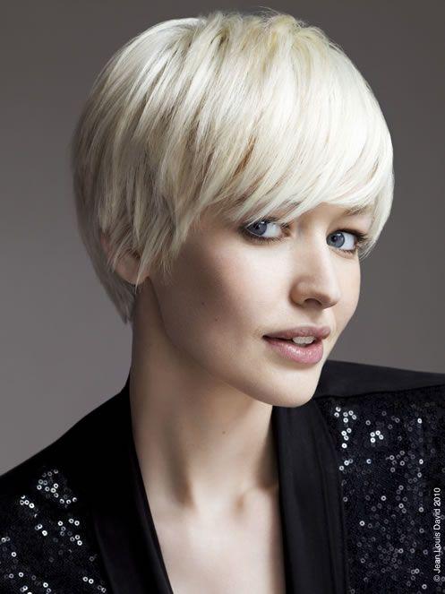 Carre boule cheveux faux carre pinterest coiffure pour cheveux court cheveux courts et - Carre boule court ...