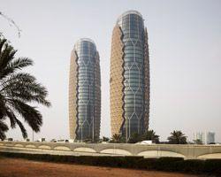 Edifício com pele protetora de insolação inteligente!!! Árabes tb ensinam!!!