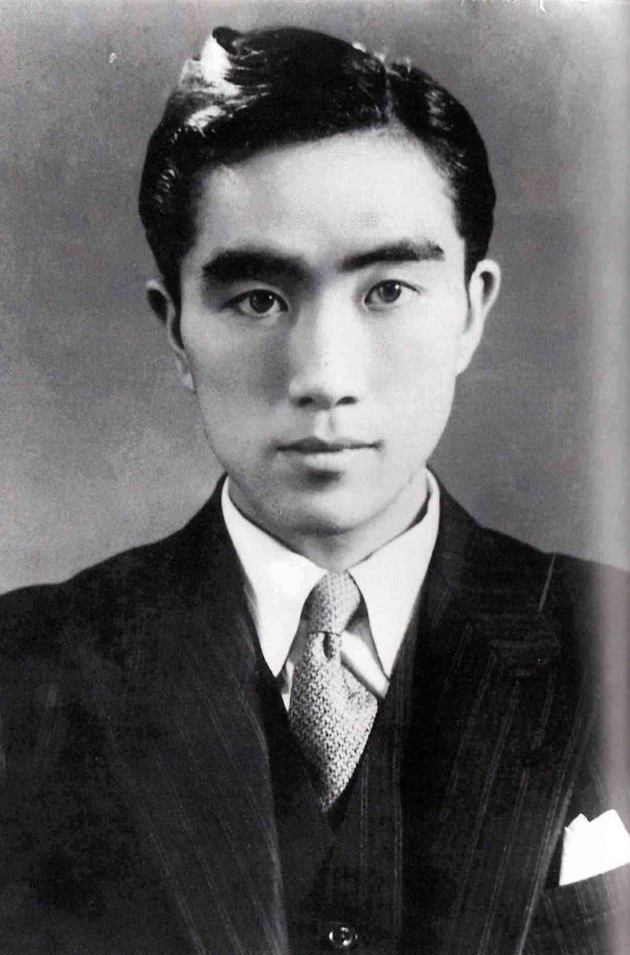 yukio mishima essays Thanet writers is an authors and writers community offering support and advice, short stories, poetry, essays on writing, book reviews, and featured content the four types of conflict essay by seb reilly.