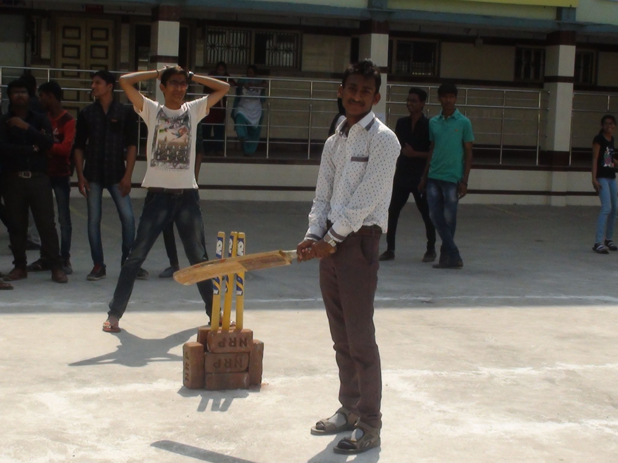 INNOVISION'16 Box Cricket At Amrolli College 18-02-2016