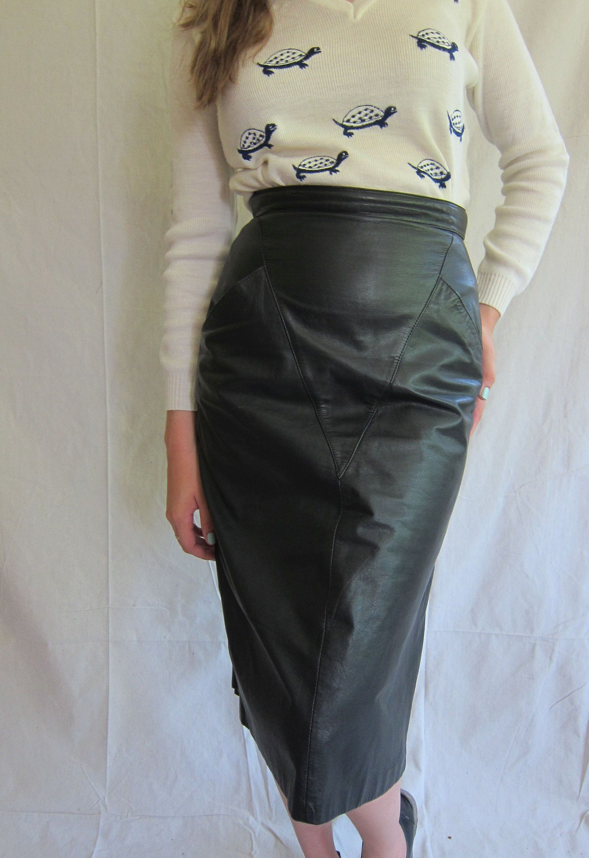 36ec16bd73a7 1980s Leather Skirt / 80s Black Leather High Waisted Skirt / Midi Length Pencil  Skirt by Winlit / Small by BasyaBerkman on Etsy