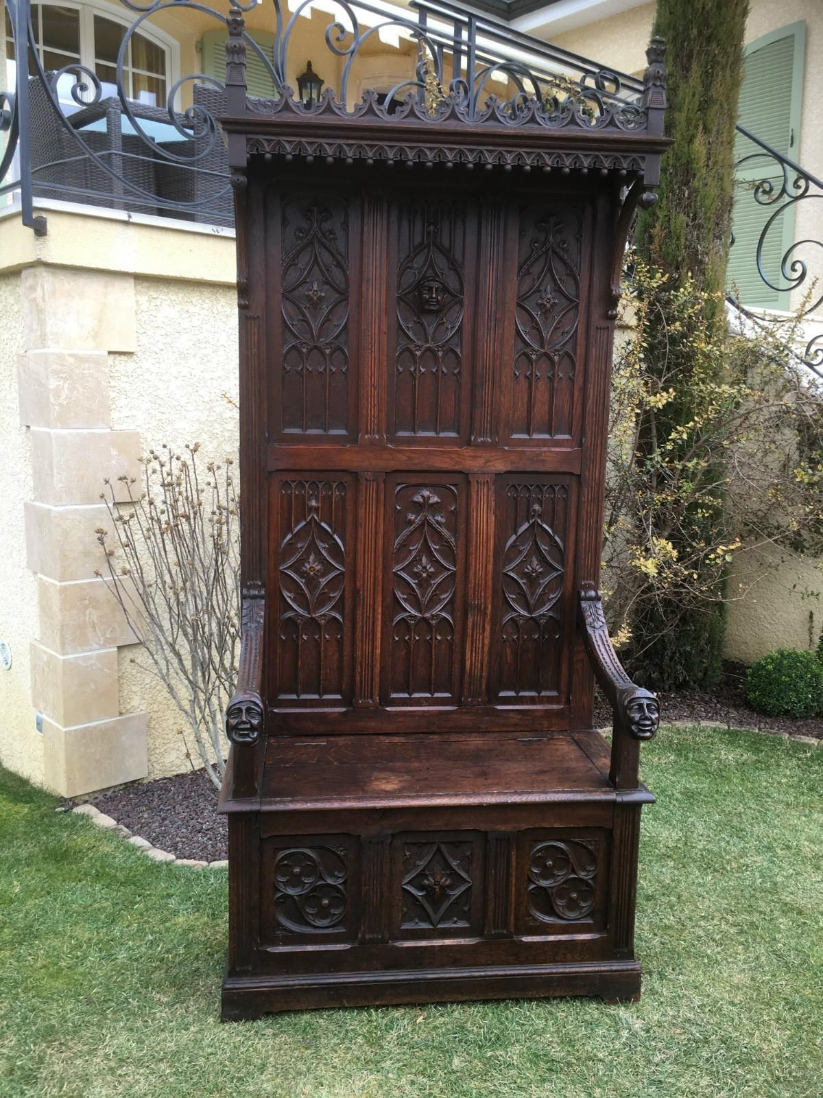 Banc Coffre Cathedre En Chene Style Gothique Sieges Mobilier Fabrice Heitzmann Gothic Chair Antique Furniture Medieval Gothic