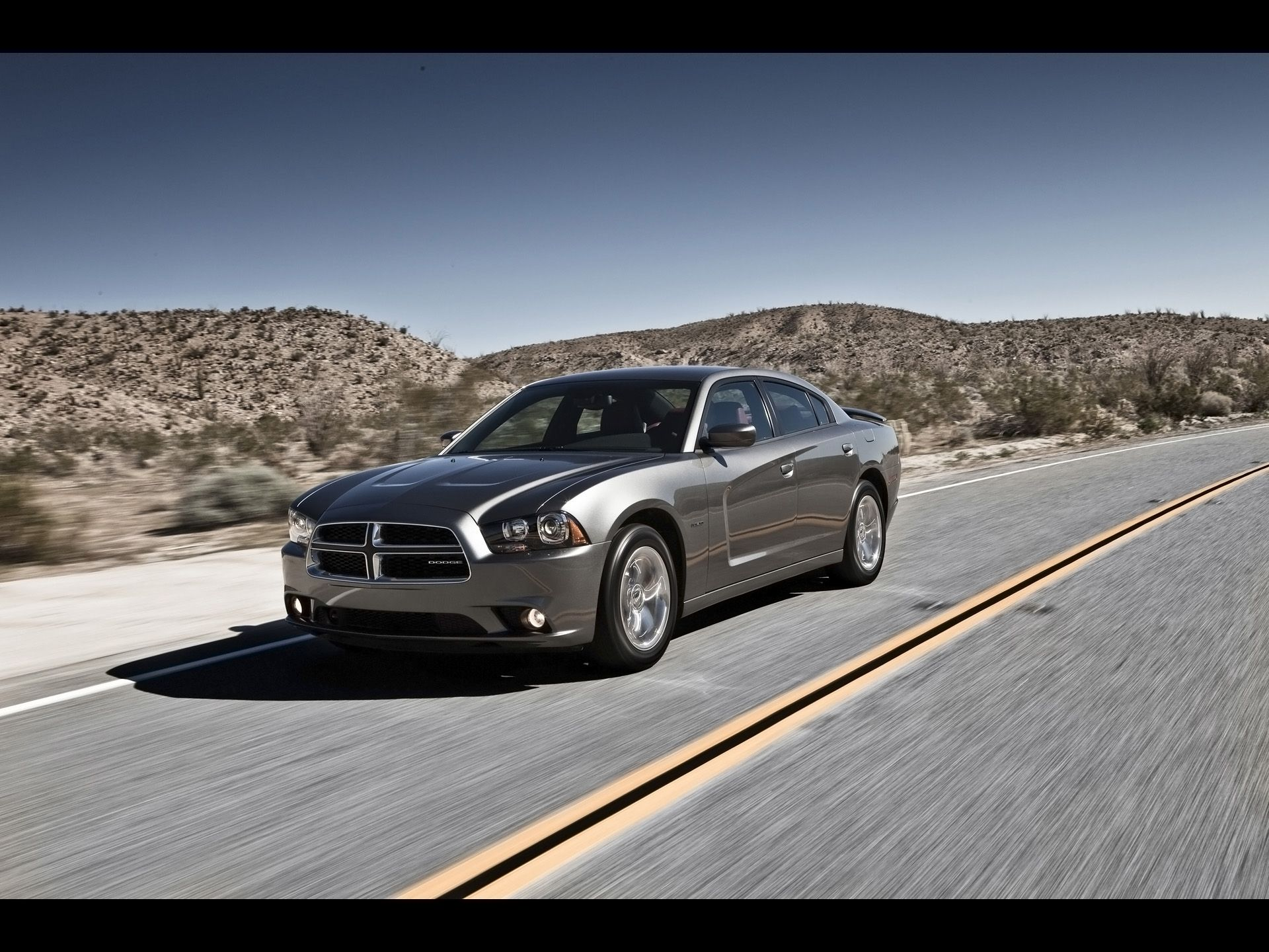 2012 dodge charger rt front angle speed