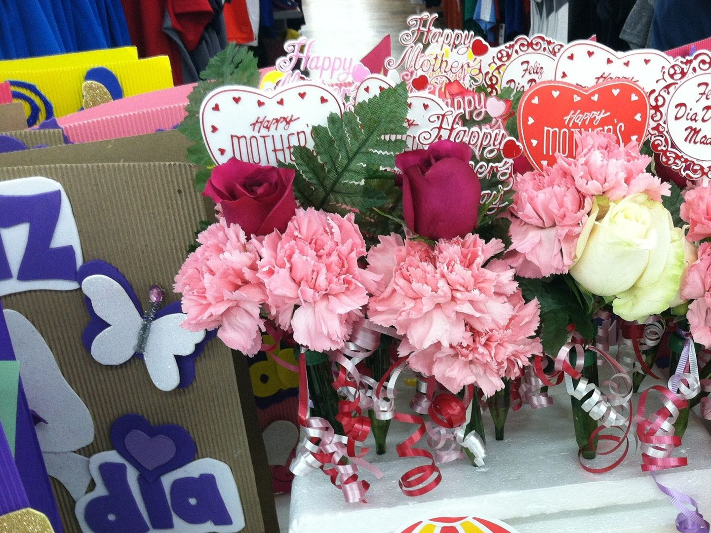 Wal*Mart sold these beautiful Mother\'s Day corsages to help ...
