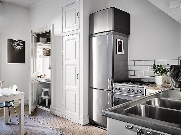 PUNTXET Un hogar luminoso con un dormitorio escondido #decoración #hogar #cocinas
