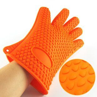 Silicone glove microwave oven gloves silicone baking tools Microwave oven heat insulation gloves ** Visit the image link more details.(This is an Amazon affiliate link and I receive a commission for the sales)