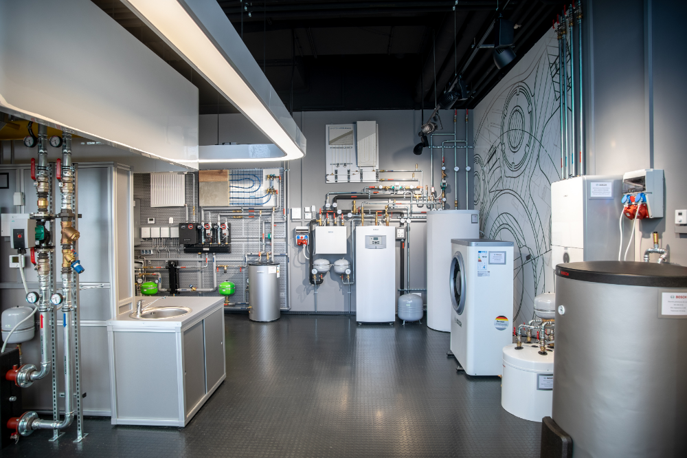 Restauracja W Sharatonie W Kolobrzegu Szukaj W Google In 2020 Kitchen Home Kitchen Appliances