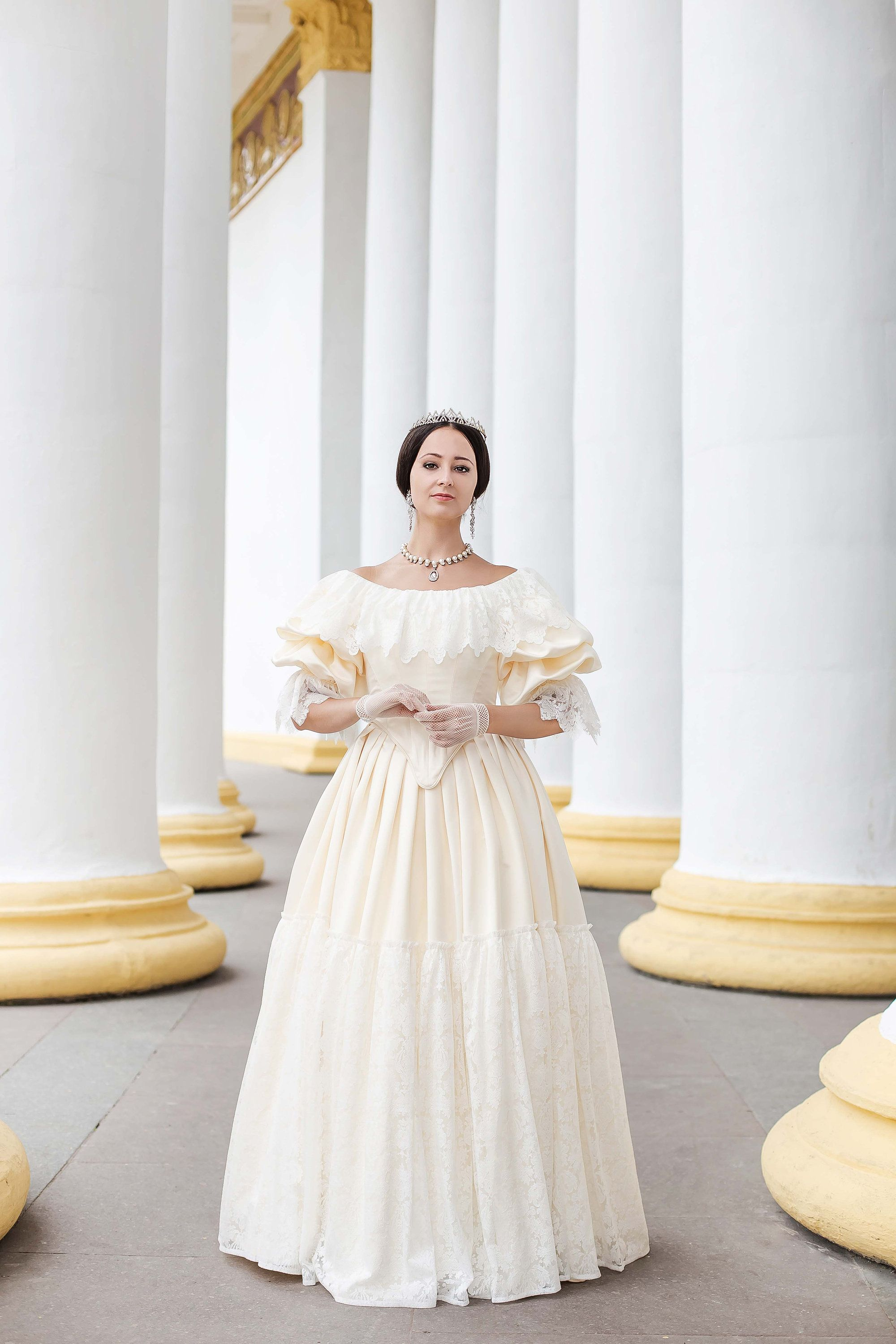 Young Victoria Wedding Dress 1840s Wedding Gown Etsy Victoria Wedding Dress Queen Victoria Wedding Dress Queen Victoria Dress [ 3000 x 2000 Pixel ]