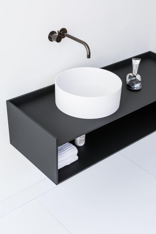 die besten 25 waschtisch klein ideen auf pinterest mini waschbecken g ste wc handtuchhalter. Black Bedroom Furniture Sets. Home Design Ideas