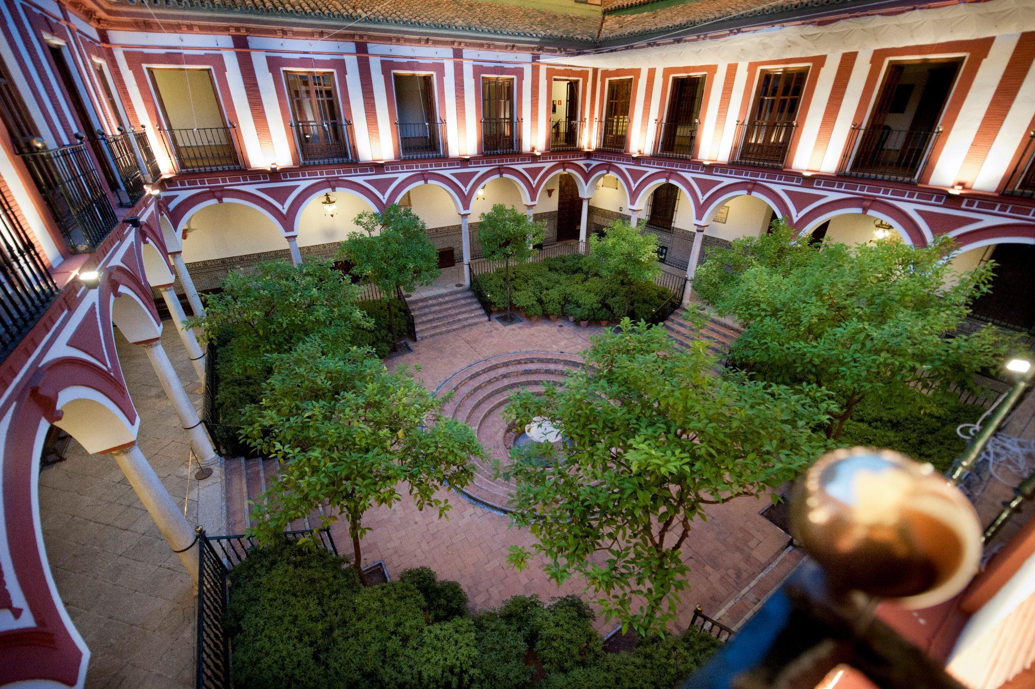 El patio central de #LosVenerables, nuestra sede #FocusAbengoa #Arte #Cultura #Sevilla #Hospital #BarrioSantaCruz #Barroco #ArteBarroco