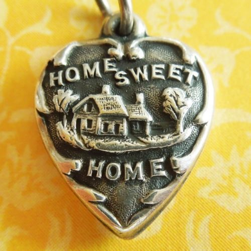 Vintage-1940s-HOME-SWEET-HOME-PUFFY-HEART-Sterling-Silver-Charm-Engraved-DAD