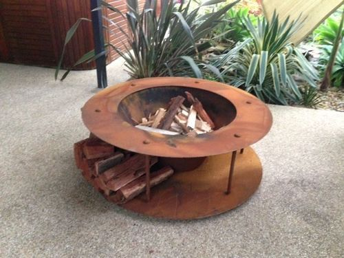 Fire Pit Large Cotten Steel Fire Pit With Build In Wood Storage Gardenideas Firepit Firering Estufas De Lena Chimeneas De Lena Chimeneas