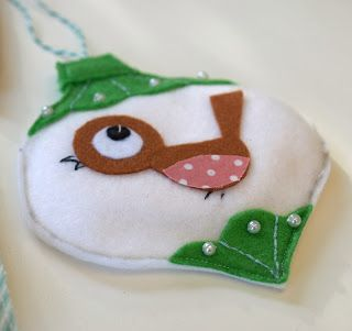 Cute fel  robin bauble felt xmas decoration