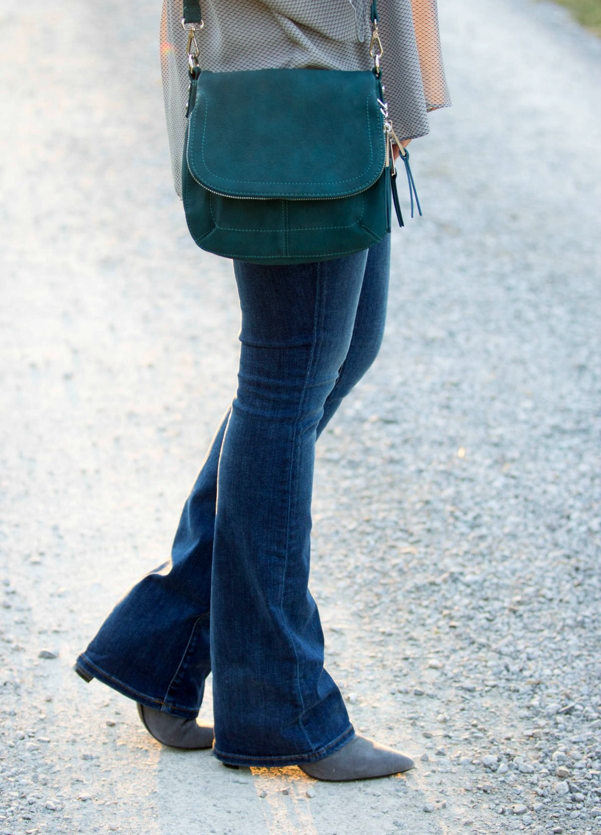 how to take in jeans at the ankle