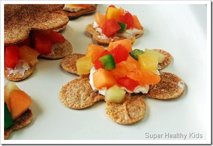 healthy snacks for kids (fruit salsa with cinnamon sugar tortilla chips)