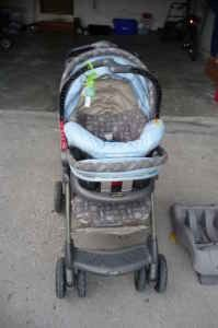 Evenflo Infant Carseat Stroller Combo
