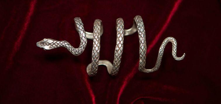 giulyscreations Bracelet en m/étal sans Nickel The Mortal Instruments Fouet Isabelle Lightwood Serpent Malleable Saga S/érie TV Jace Herondale Clary Fantasy Pop Cosplay
