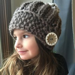 This Free Girls Knitting Pattern Uses Super Bulky Weight Yarn Pattern Attributes And Techniques Hat Knitting Patterns Knitted Hats Knitting Patterns Free Hats