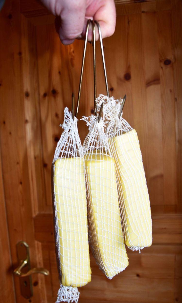 1) Käse räuchern - die Vorbereitungen Für das Räuchern