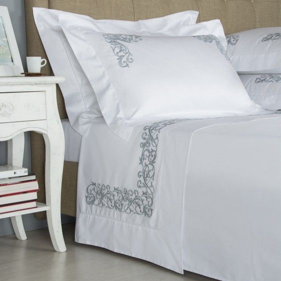 Lenzuola Matrimoniali Frette.Granada Ricamo Completo Letto In Bianco Azzurro By Frette