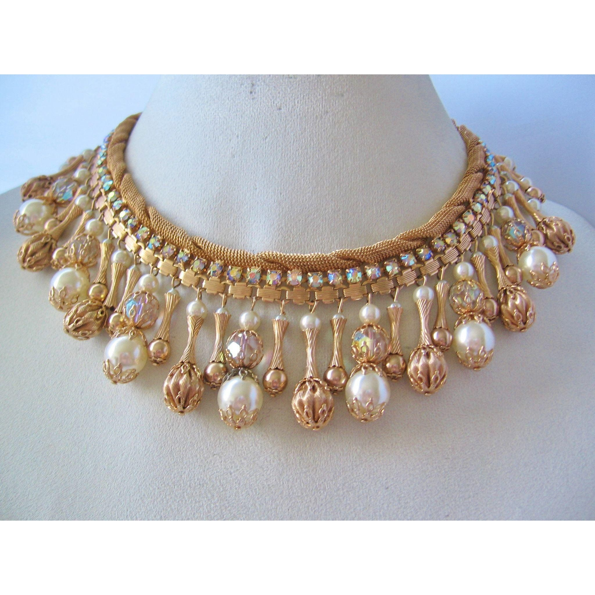 98cff55bde1c4 Vintage Fabulous Mid Century Bib Necklace with Gold tone Beads ...